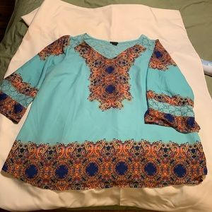 Boho flowy blouse with lace
